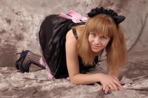 http://img255.imagevenue.com/loc35/th_623295168_Silver_Sandrinya_maid_3_110_122_35lo.jpg