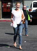 Кэтрин Хэйгл, фото 3558. Katherine Heigl - leaving Sushi Ike in Los Angeles 03/08/12, foto 3558