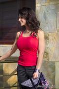 Дениз Милани, фото 3911. Denise Milani Red tank candids :, foto 3911