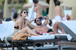 http://img255.imagevenue.com/loc394/th_312904964_Mischa_Barton_Bikini_Candids_on_the_Beach_in_Miami_December_27_2011_277_122_394lo.jpg