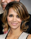 th_59091_Halle_Berry_2009_Jenesse_Silver_Rose_Gala_Auction_in_Beverly_Hills_36_122_528lo.jpg