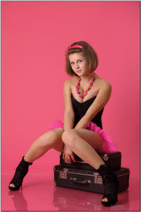 http://img255.imagevenue.com/loc546/th_254804839_tduid300163_sandrinya_model_pinkmini_teenmodeling_tv_039_122_546lo.jpg