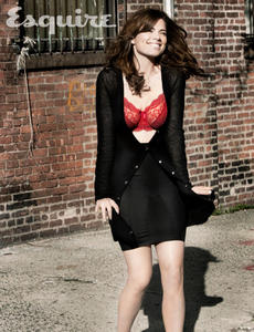 Hayley Atwell - Esquire - August 2011 / 4x LQ