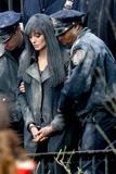 Salt. - Página 2 Th_70829_Celebutopia-Angelina_Jolie_on_the_set_of_Salt_in_New_York_City_March_21-08_122_63lo