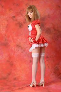 http://img255.imagevenue.com/loc86/th_829250478_tduid300163_Silver_Sandrinya_maid_2_009_122_86lo.JPG