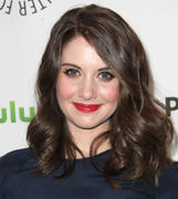 Элисон Бри, фото 585. Alison Brie PaleyFest presentation of 'Community' at Saban Theatre on March 3, 2012 in Beverly Hills, California, foto 585